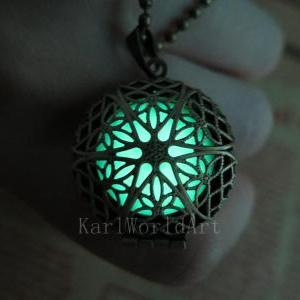 Free Shipping Glow in the dark neck..