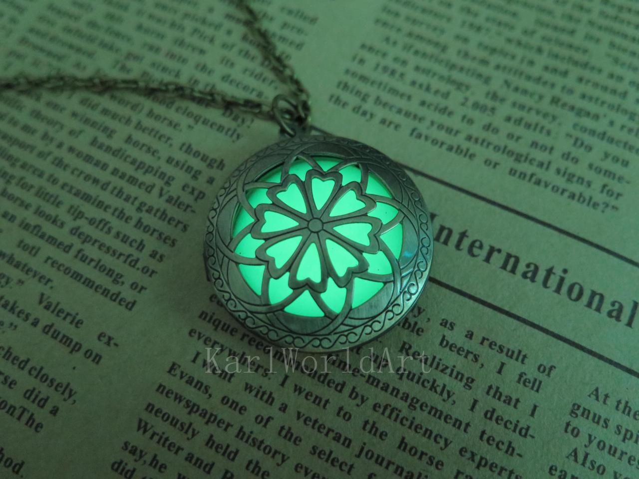 celtic pin cross green jewelry locket lockets pinterest glow shamrock