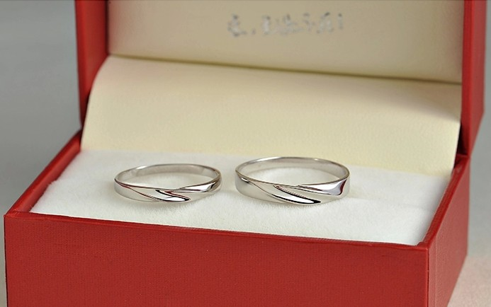platinum gold band ring engraved vintage bands wedding white