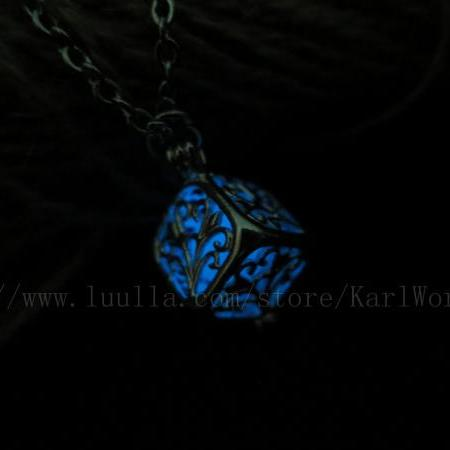 Free shipping Blue Cube Glowing Necklace, Glow in the dark necklace,glow pendant necklace,Halloween jewelry