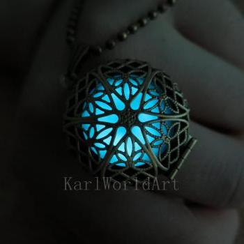 Free shipping Glow in the dark Cyan necklace,Glow Pendant Necklace